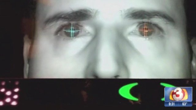 © The scanner tracks eye movements.