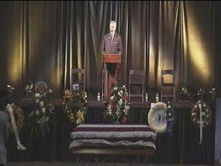 Police Chaplain Rabbi Robert L. Kravitz officiated the funeral service. By Jennifer Thomas