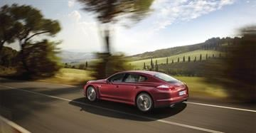 "You've heard the phrase, ""Porsche. There is no substitute."" Scott Pasmore got a first-hand look at the Panamera, Porsche's four-door luxury sedan Monday morning, and he says that catchphrase is dead on. By Catherine Holland"