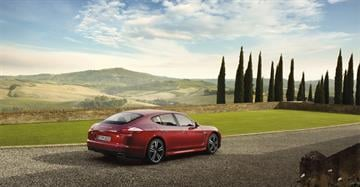 You?ve heard the phrase, ?Porsche. There is no substitute.? Scott Pasmore got a first-hand look at the Panamera, Porsche?s four-door luxury sedan Monday morning, and he says that catchphrase is dead on. By Catherine Holland