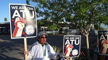 Phoenix bus drivers on the picket line Saturday morning at 19th and Peoria Avenues. By Mike Gertzman