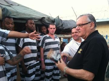 Tent City inmates boo Sheriff Arpaio but ask for autographs By Mike Gertzman