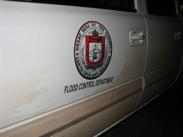 False Santa Cruz County seal on the drug-smuggling vehicle By Jennifer Thomas