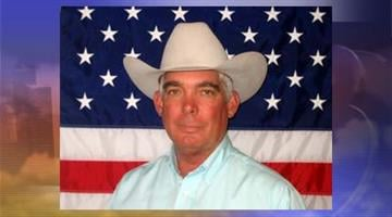 Cochise County sheriff's officials say Sheriff Larry Dever has died in a one-vehicle accident near the northern Arizona town of Williams. By Catherine Holland
