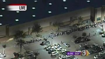 Black Friday frenzy has been in full swing at malls and stores throughout the valley today. This was the line outside of Sam's Club at 83rd Avenue and McDowell this morning. By Tami Hoey