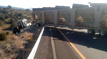 Southbound Interstate 17 was closed about 40 miles south of Flagstaff Friday afternoon due to a crash involving a tractor-trailer. By Jennifer Thomas