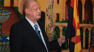 Arizona Attorney General Tom Horne speaking at Pima County Republican Club meeting Tucson in Tucson on April 19, 2011 By Catherine Holland