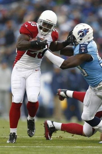 NASHVILLE, TN - DECEMBER 15: Rashard Mendenhall #28 of the Arizona Cardinals runs the ball against the Tennessee Titans at LP Field on December 15, 2013 in Nashville, Tennessee.  (Photo by Wesley Hitt/Getty Images) By Wesley Hitt