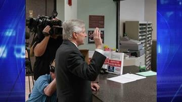 Fred DuVal filed more than 10,000 signatures Thursday morning to qualify for the ballot. By Jennifer Thomas