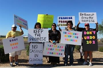 Demonstrators from the Fort McDowell Yavapai Nation said the casino violates an agreement among tribes and the gaming compact approved by Arizona voters. By Mike Gertzman