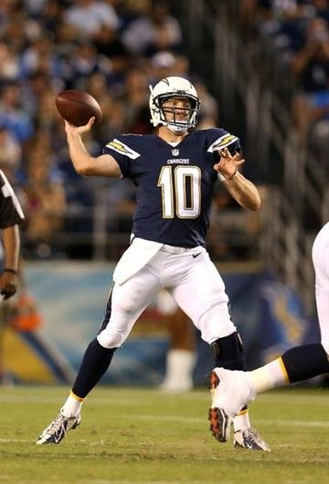 SAN DIEGO, CA - AUGUST 28:  Quarterback Kellen Clemens #10 of the San Diego Chargers throws a pass against the Arizona Cardinals at Qualcomm Stadium on August 28, 2014 in San Diego, California.  (Photo by Stephen Dunn/Getty Images) By Stephen Dunn