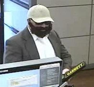 Bank robbery on Nov. 17, 2014 By Jennifer Thomas
