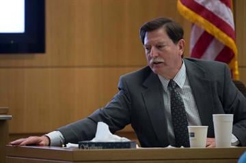 Psychologist Dr. Robert Geffner testifies during the Jodi Arias sentencing phase of the retrial at Maricopa County Superior Court in Phoenix on January 22, 2015. By Mark Henle
