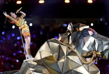 GLENDALE, AZ - FEBRUARY 01:  Recording artist Katy Perry performs onstage during the Pepsi Super Bowl XLIX Halftime Show at University of Phoenix Stadium on February 1, 2015 in Glendale, Arizona.  (Photo by Karl Walter/Getty Images) By Karl Walter