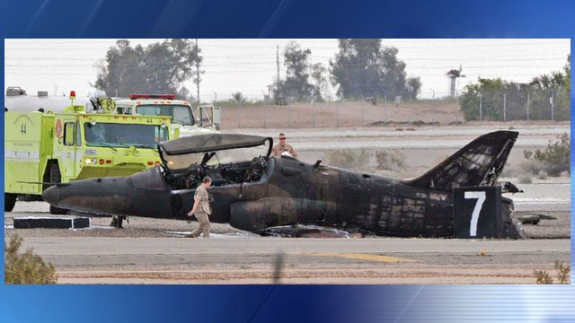 A Marine died after an aircraft operated by a civilian crashed on a runway in southwest Arizona. (Source: yumasun.com)