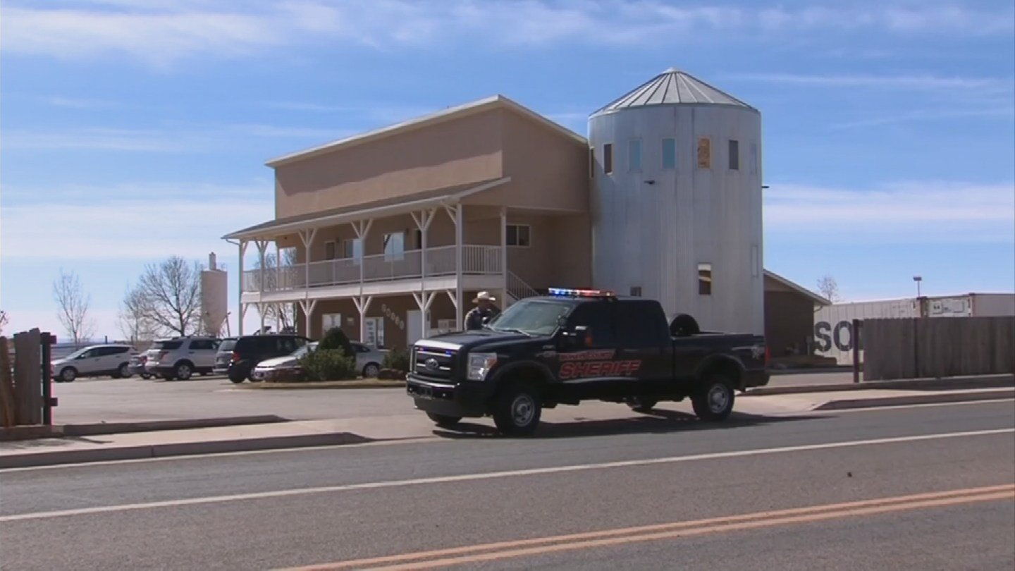FBI agents raided several FLDS-controlled businesses in the twin border towns Tuesday. (Source: 3TV)