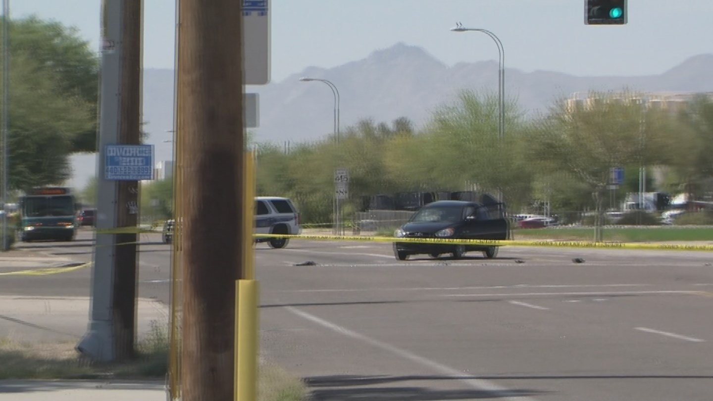 Fatal accident closes intersection of 75th Ave and Van Buren