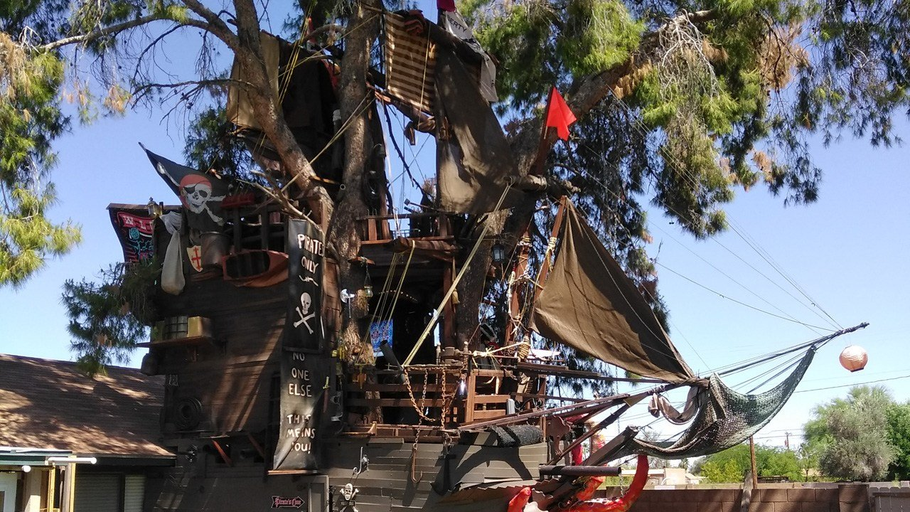 pirates of the caribbean fan builds replica ship in backyard of