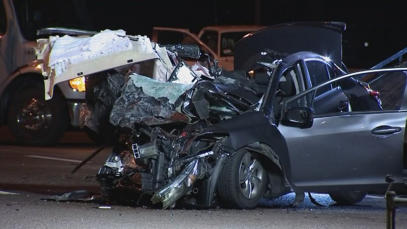 Dps 1 dead another injured following wrong way crash on for Red mountain motors mesa az
