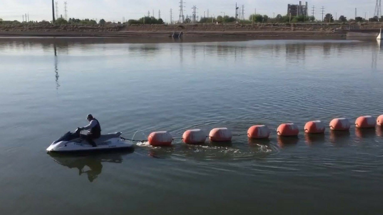 tempe town lake removes buoys makes more room for boaters arizona 39 s family. Black Bedroom Furniture Sets. Home Design Ideas