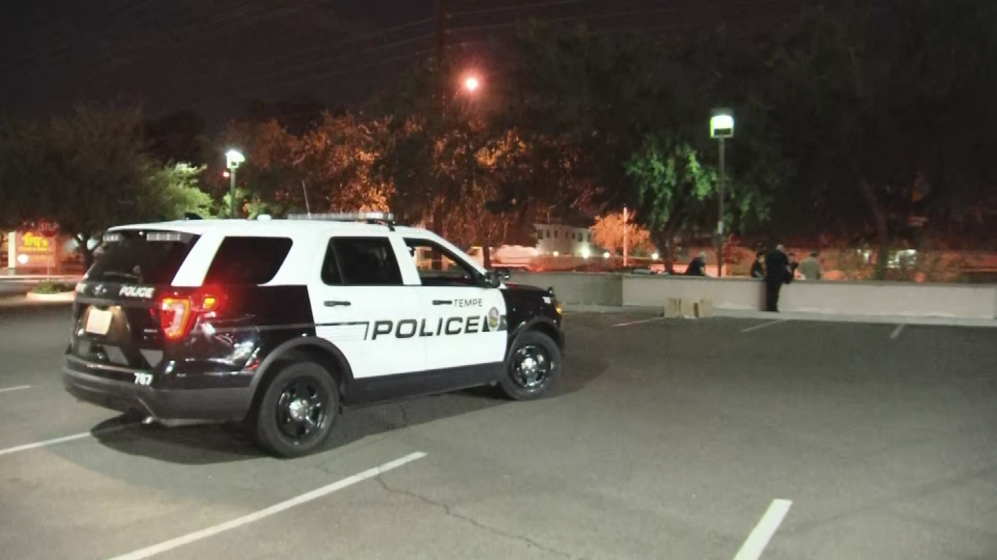 Mans Body Found Near Tempe Grocery Store Police Say
