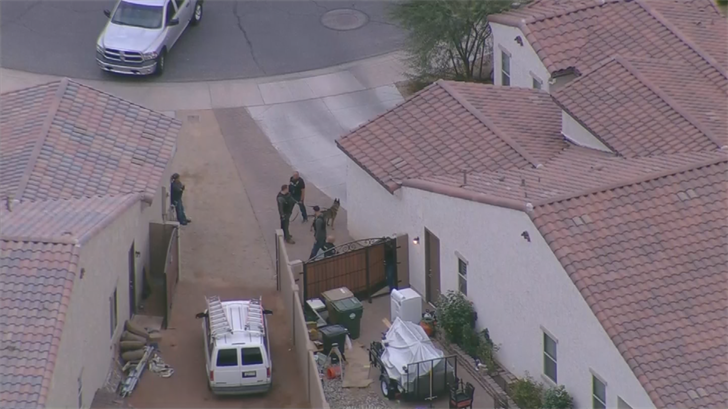 Police searched for suspects in Goodyear. (Source: 3TV/CBS 5)
