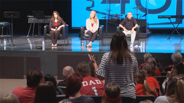 Hundreds gathered for a town hall on the teacher walkout in Mesa. (Source: 3TV/CBS 5)
